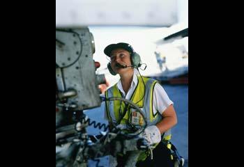 Qantas-staff-member-at-work