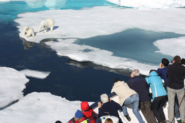 A photo op from a Aurora Expeditions' Cruise