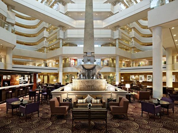 Hyatt Regency Perth's atrium lobby