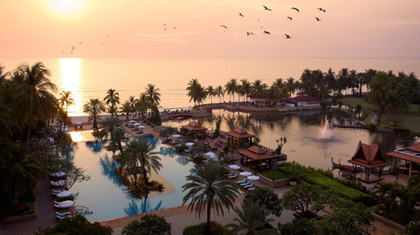 Dusit Thani Hua Hin resort overview