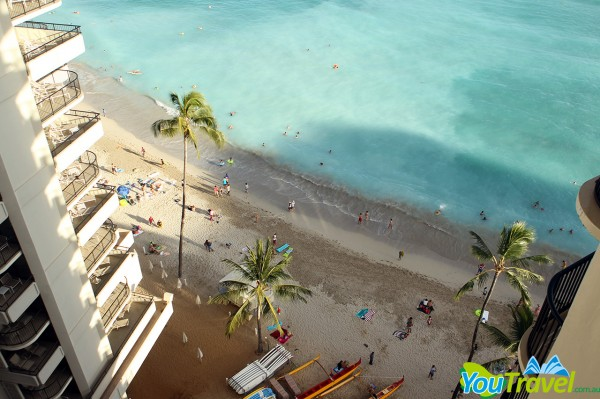 Outrigger Waikiki on the Beach Deluxe Ocean View Room Balcony