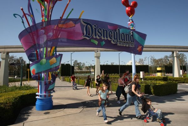 It's heaven for kids and a must visit destination for almost anyone. We are talking of course about Disneyland!