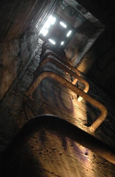 tunnel 12
