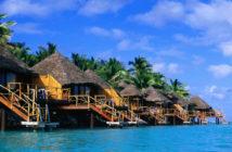 Cook-Islands-tourism-bigger-aircraft