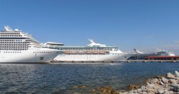 indonesia-tourism-cruising