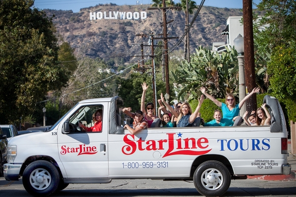 Southern California theme parks are renowned around the globe for their incredible thrill rides, exciting family-friendly entertainment, and amazing behind-the-scenes attractions. Starline Tours makes it easy for you to enjoy your choice of SoCal's many famous theme parks.