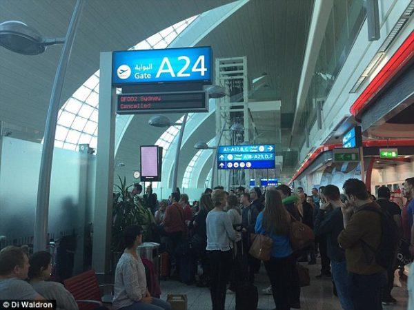 Qantas flight delay